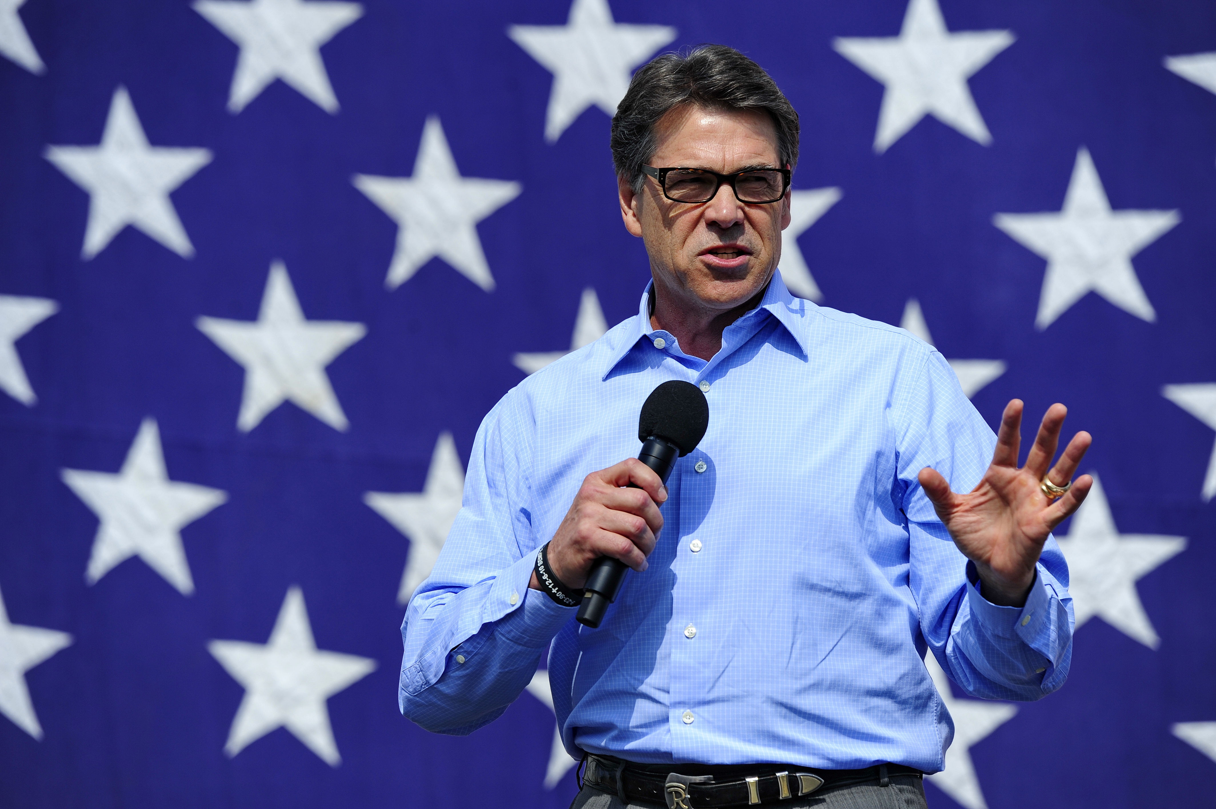 Texas Gov. Rick Perry speaks during a rally for South Carolina