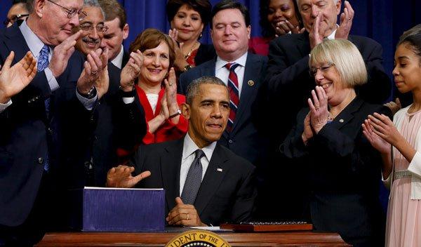 obama_lamar_alexander_every_student_succeeds_act_essa_120915_500x293