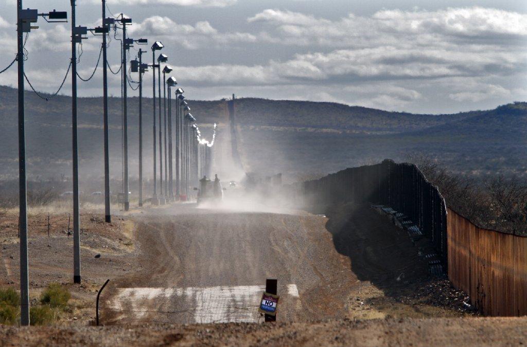 la-ed-border-20140302-001