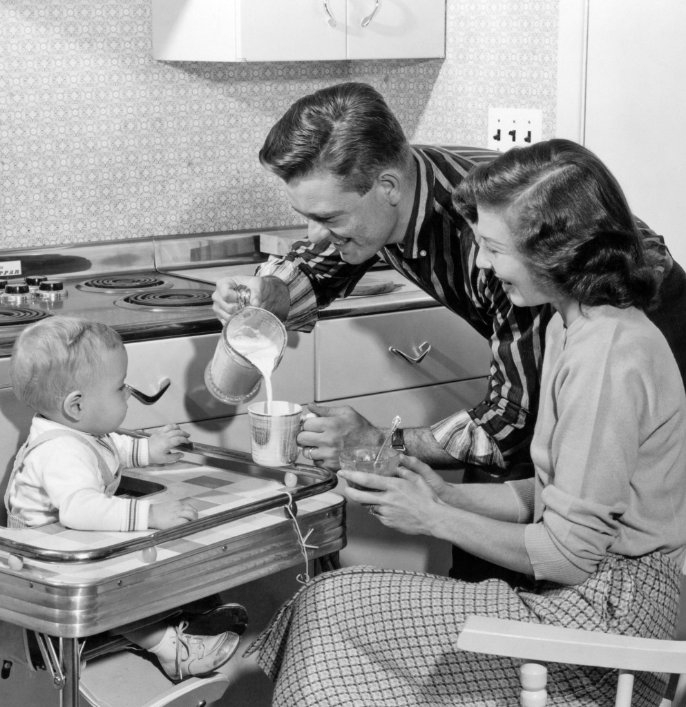 50s_family_GettyImages-681573557_edited