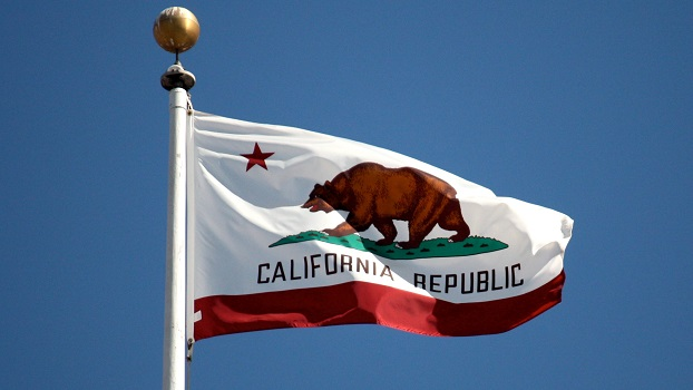 California-flag-flying